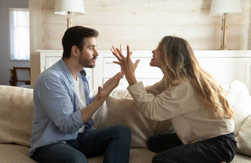 8 Signs That You Are in a Toxic Relationship and Don't Want to Admit It (They Are Very Common)